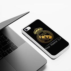 Чехол iPhone 6/6S Plus матовый FC Real Madrid: Gold Edition цвета 3D-белый — фото 2