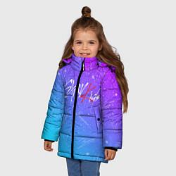 Куртка зимняя для девочки STRAY KIDS АВТОГРАФЫ цвета 3D-черный — фото 2
