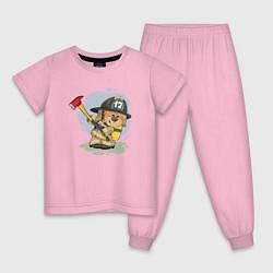 Пижама хлопковая детская Медвежонок-пожарник цвета светло-розовый — фото 1