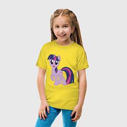 Футболка хлопковая детская Пони Сумеречная Искорка цвета желтый — фото 2