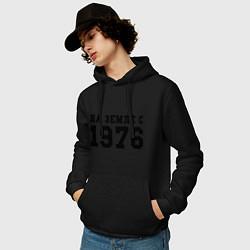 Толстовка-худи хлопковая мужская На Земле с 1976 цвета черный — фото 2