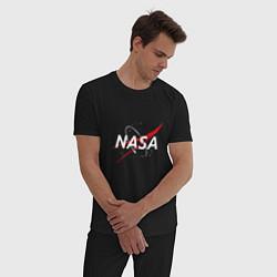 Пижама хлопковая мужская NASA: Space Arrow цвета черный — фото 2