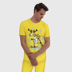 Пижама хлопковая мужская Олень на лыжах цвета желтый — фото 2