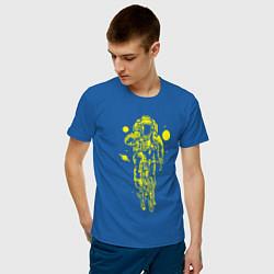 Футболка хлопковая мужская Космонавт на велосипеде цвета синий — фото 2