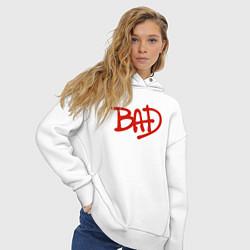 Толстовка оверсайз женская Song BAD цвета белый — фото 2