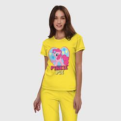 Пижама хлопковая женская Pinkie Pie: in my heart цвета желтый — фото 2