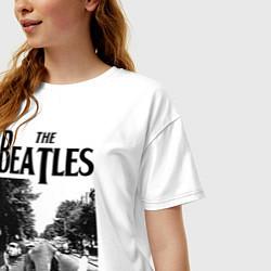 Футболка оверсайз женская The Beatles: Mono Abbey Road цвета белый — фото 2