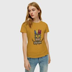 Футболка хлопковая женская Aku-Aku (Crash Bandicoot) цвета горчичный — фото 2